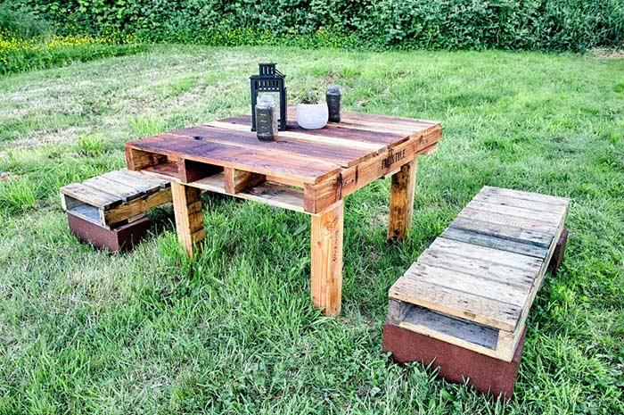 Pallet table for outdoor area