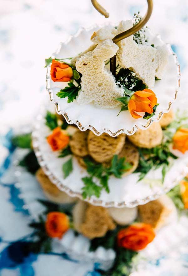 Centerpiece of salty and breads in rabbit format