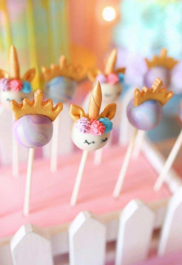 Unicorn party: magical inspirations to decorate a party with the theme