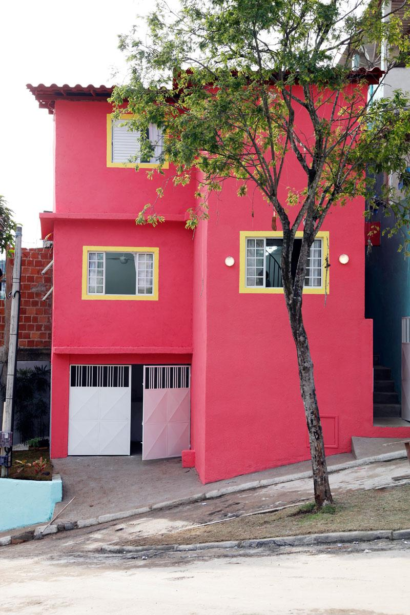 Colors of houses: trends and photos for exterior painting 4