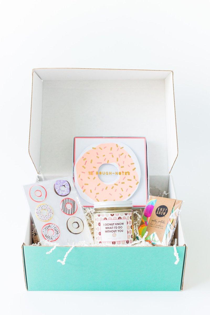 Donuts: the theme of this party in the box