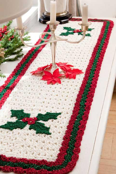 Table runner for the Christmas season