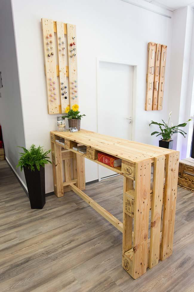 Handicraft with pallets: pallet counter