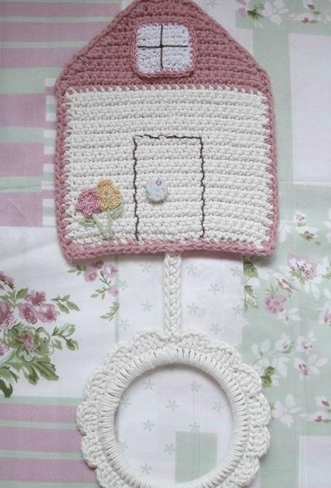 Crocheted crockery dish-shaped door