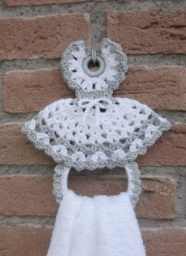 Knotted crochet dish towel door