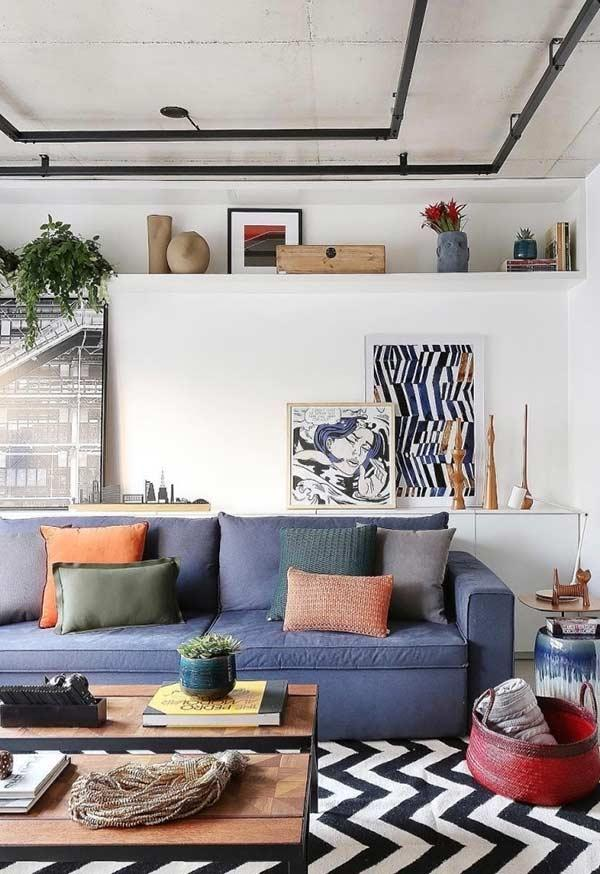 Use the color wheel to find the perfect colors for the cushions.