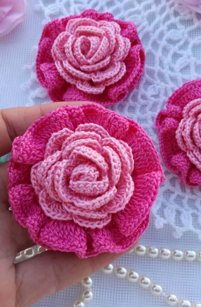 Crochet roses in tone on tone