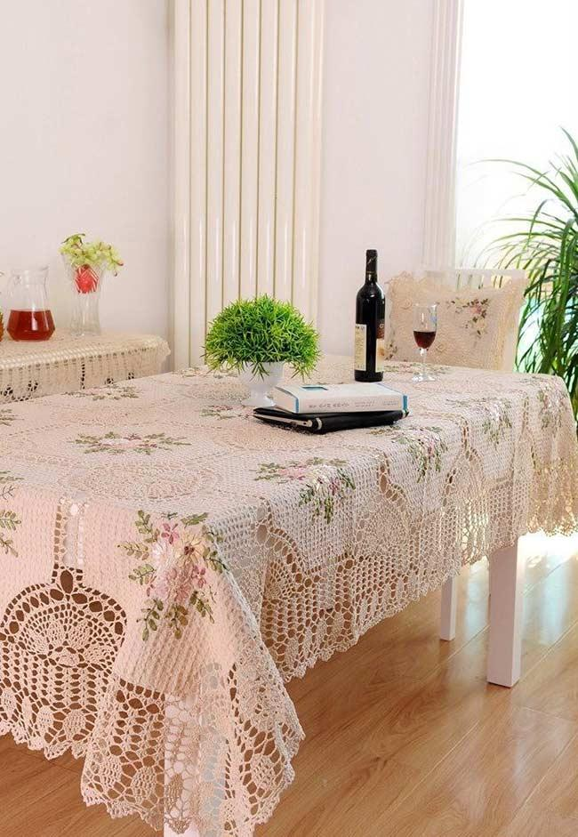 Towel with flower detail for a rectangular table