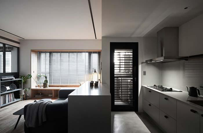 White walls and white lining leave the rooms wider and brighter