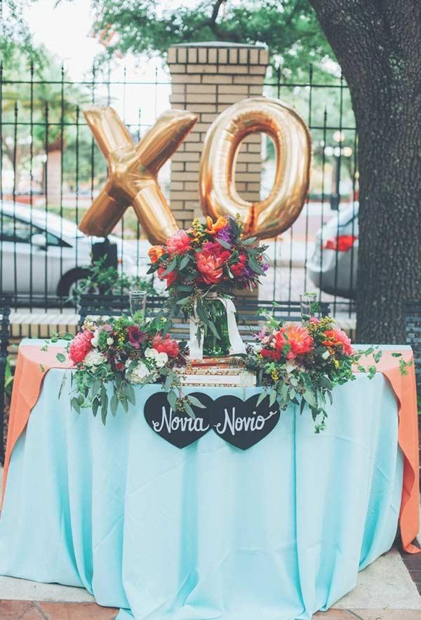 Tiffany Blue and Golden in Outdoor Wedding Decoration