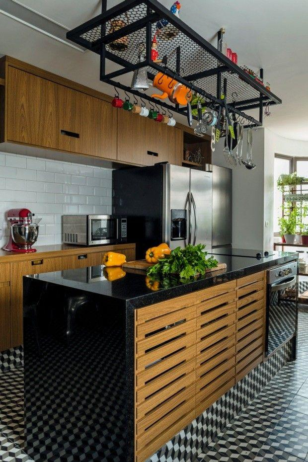 Granito São Gabriel joins the retro and the modern present in this kitchen