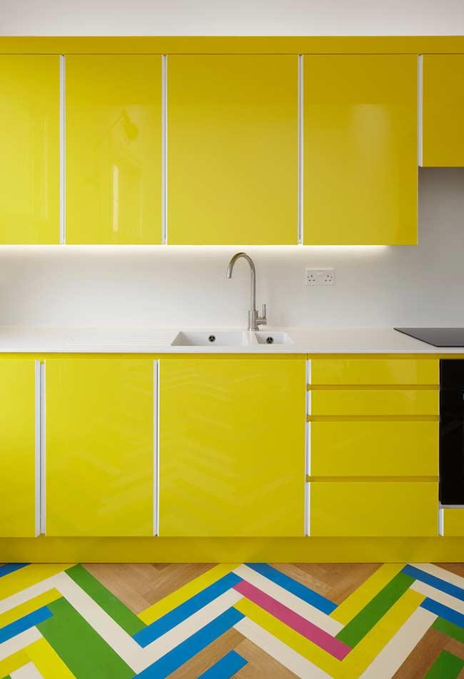 Vibrant yellow in the kitchen cabinets