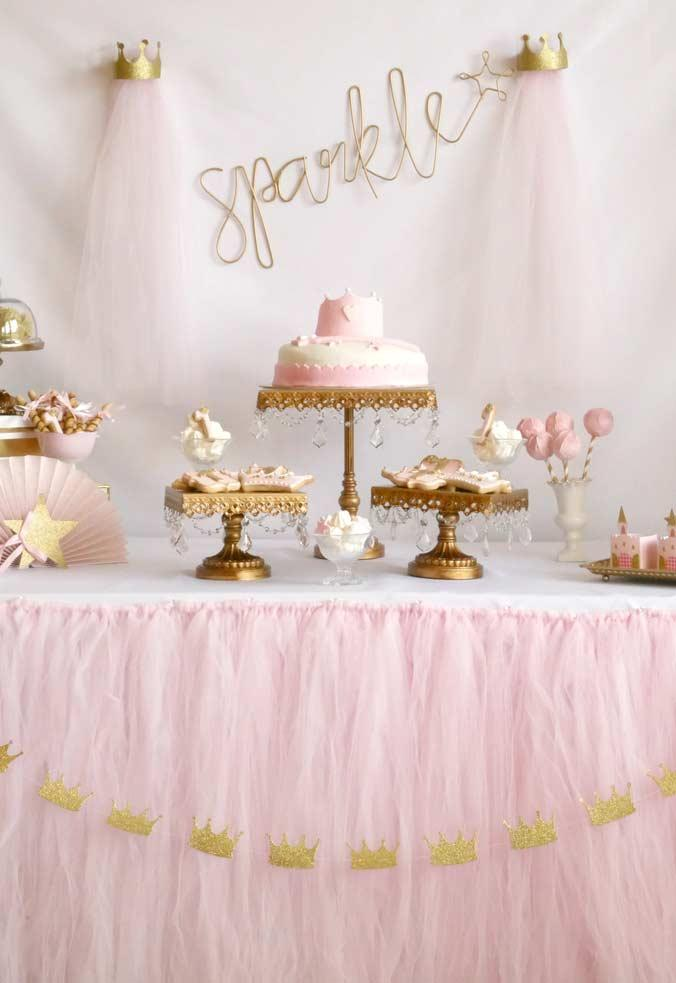 Pink and gold as the main colors of the Princess party