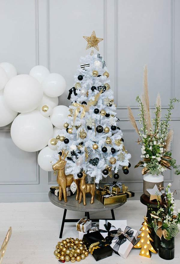 Gold and black glam decoration