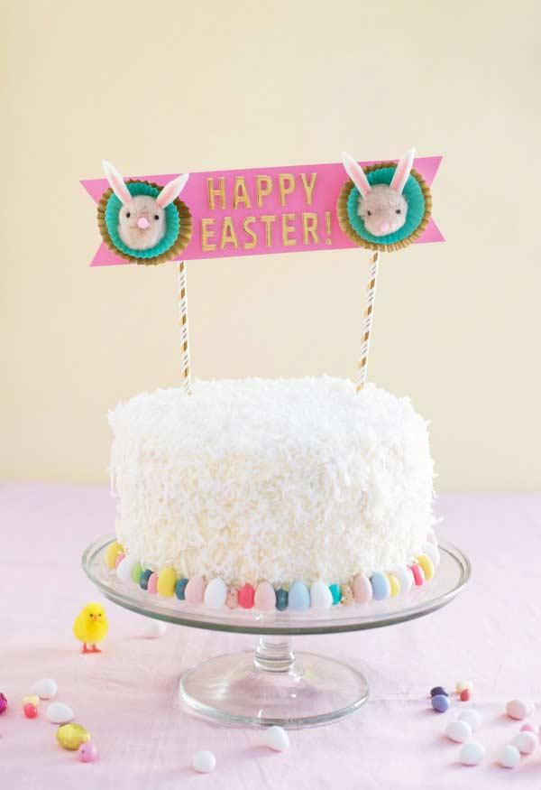 Stylish topper for simple cake