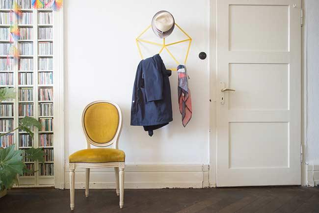 Modernity and style in the clothes rack