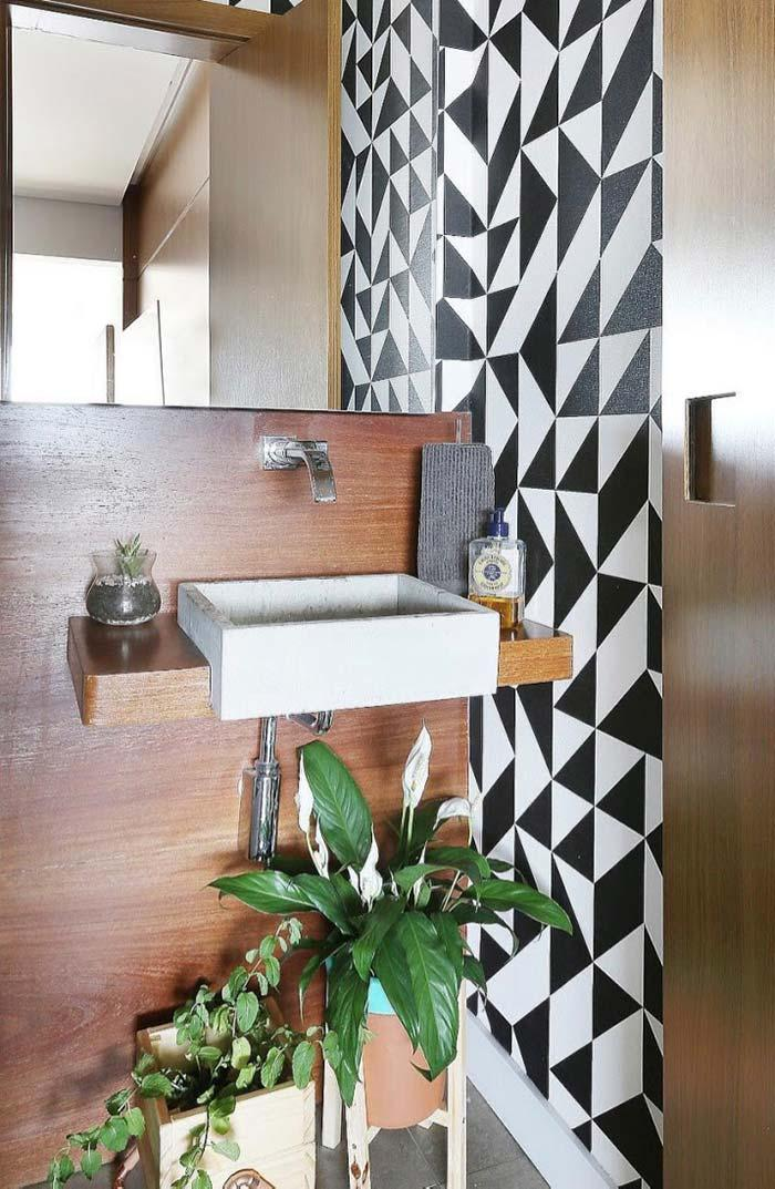 Black and white contrast on wallcovering