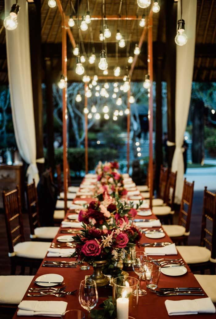 Long table decoration in mini wedding