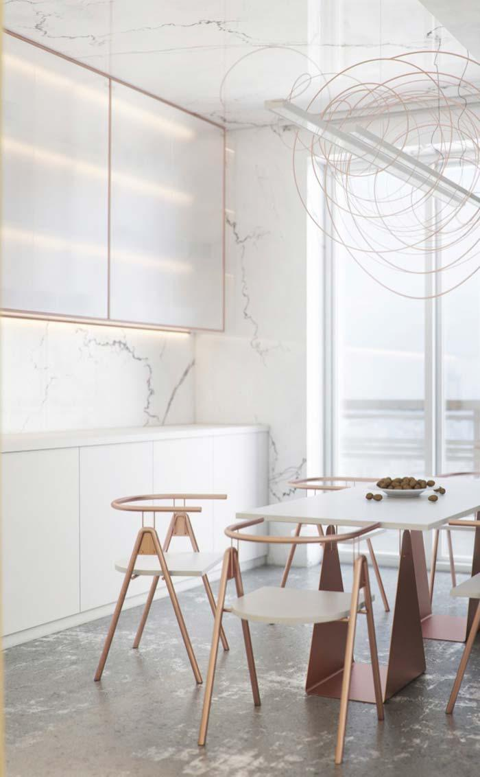 Boasting cuisine: Calacatta marble up to the ceiling