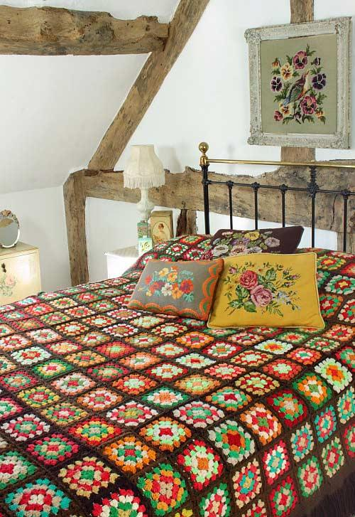 Crochet bed spread for a rustic environment