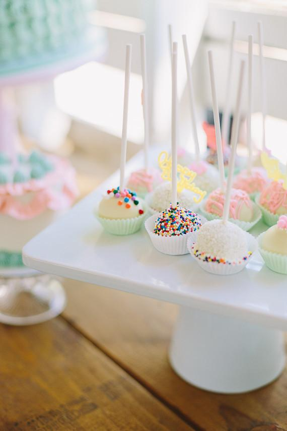 Confections for simple children's party