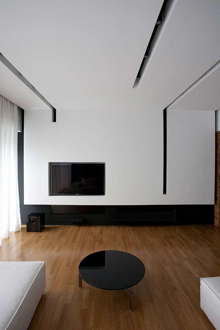 contemporary decoration with plaster ceiling