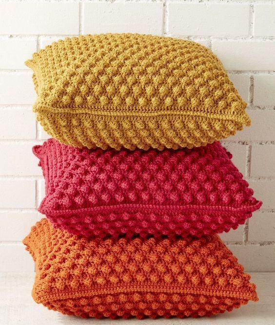 Cushion-of-croche-color-15