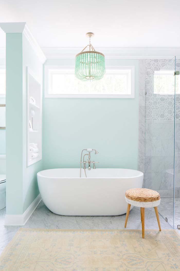 Mint-mint bathroom