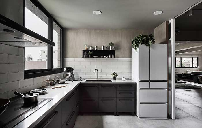 Kitchen with burnt cement