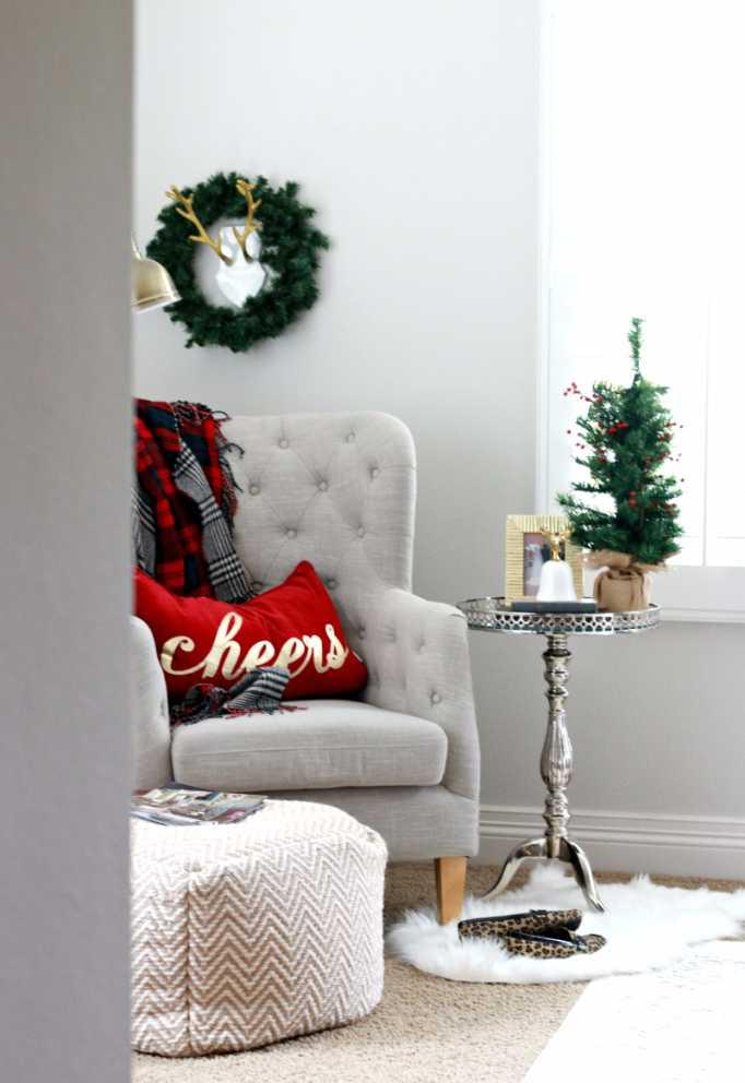 Christmas Cushions: 60 Decorating Ideas and How to Make 52