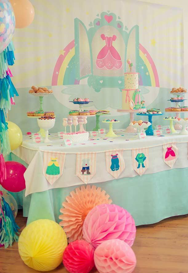 Decoration of the main table for little princess