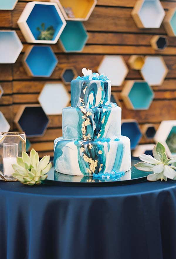 Cake decorated with mix of shades of blue