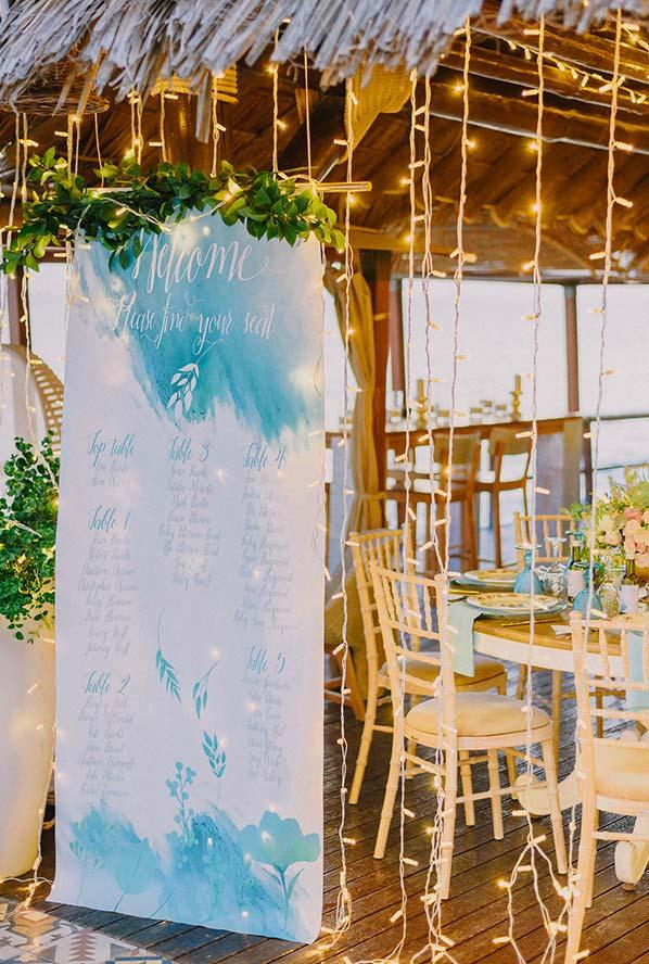 Rustic mini wedding in beach climate