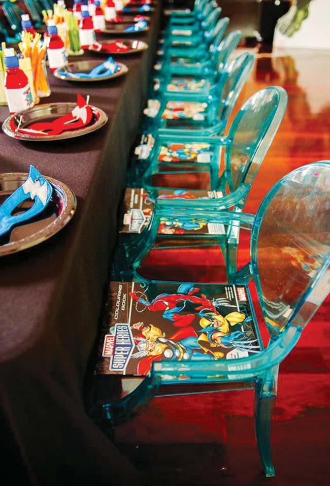 Magazines and comics for party guests Avengers