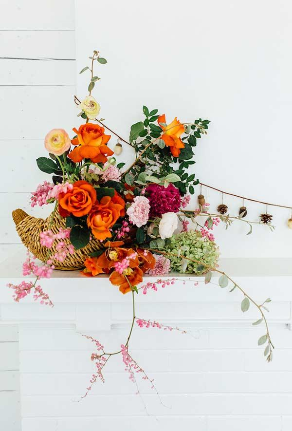 Color and life with flower arrangement for a minimalist house