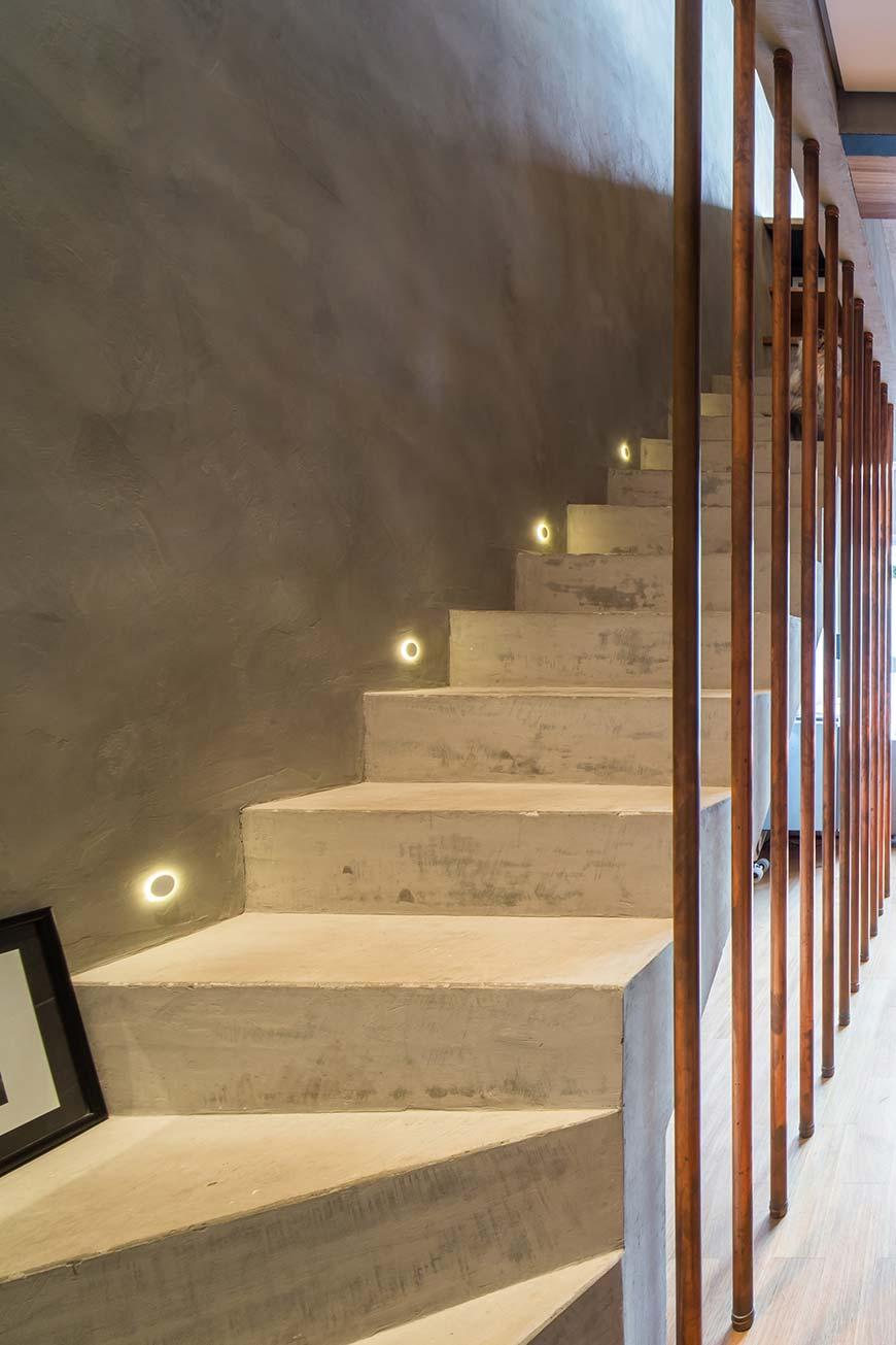 Low lights for concrete stairs