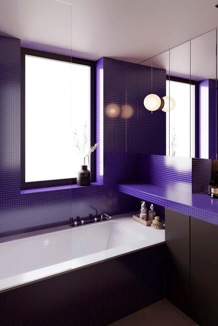 Bathroom with small blue inserts