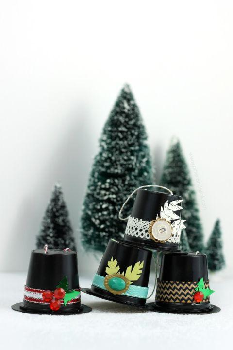 Christmas ornament with coffee cups