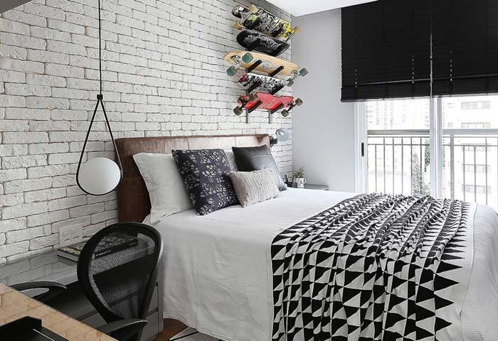 Brick wall for young bedroom