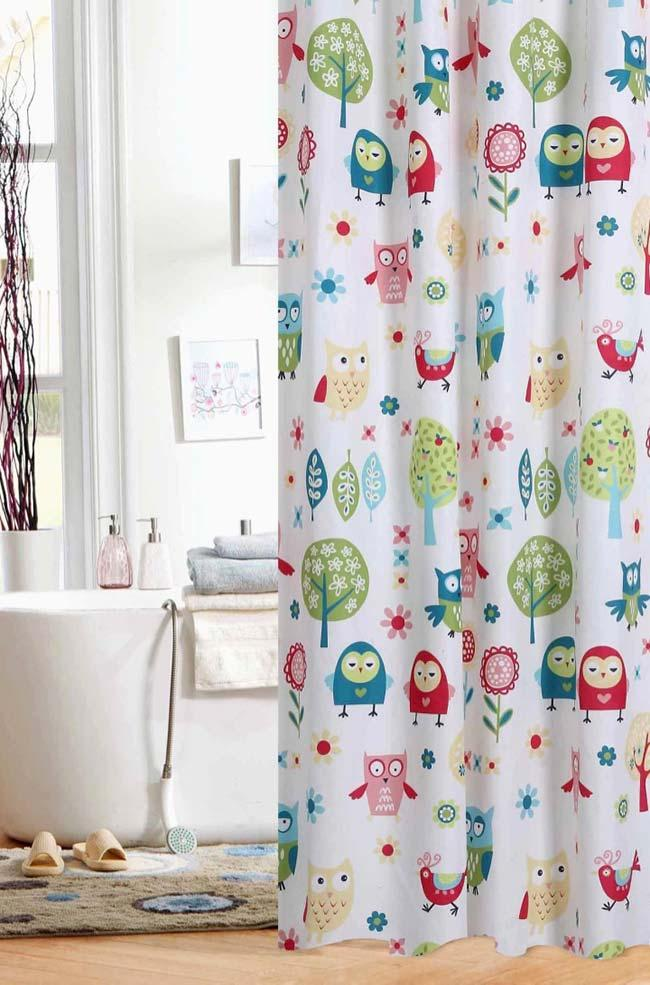 Owl curtain in the bathing area