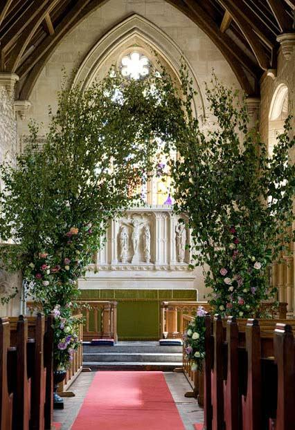 Natural arch in church decoration