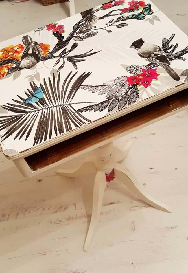 Birds to decorate the table with decoupage