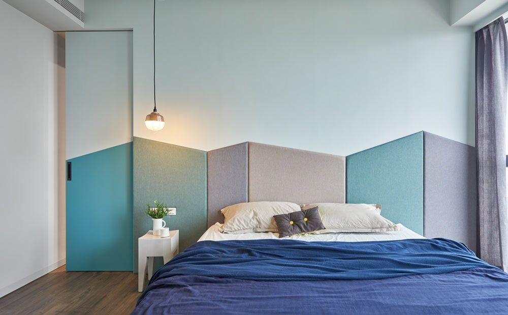 Upholstered headboard with geometric modules