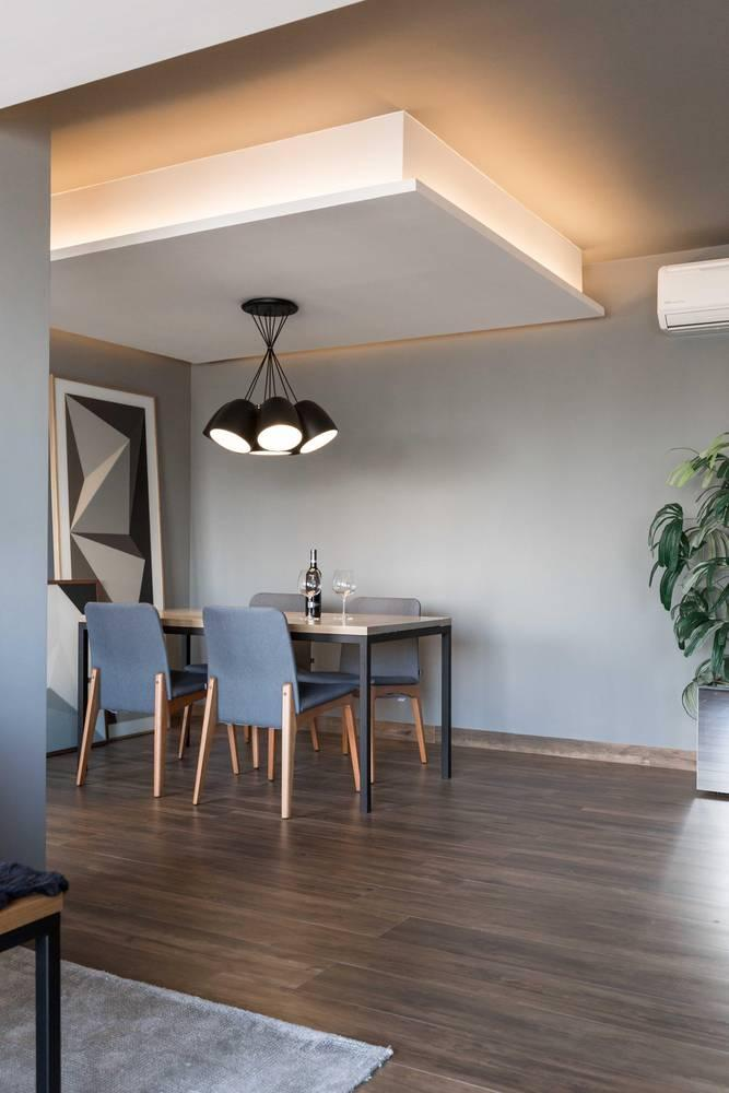 Choose a dark color tone for extended environments