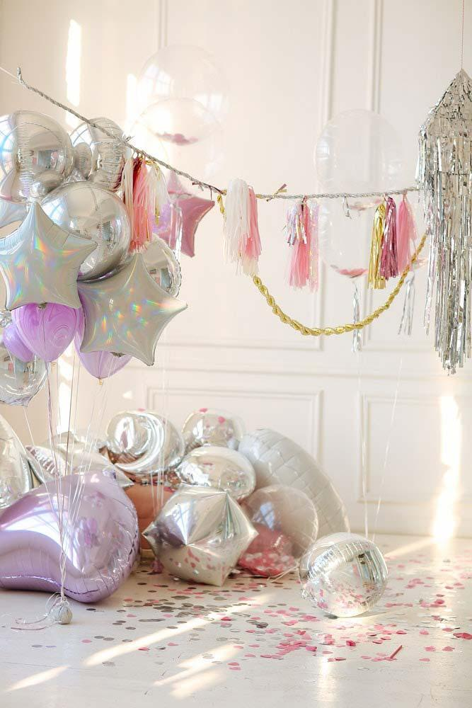 Party decoration of 15 years: metallic balloons in different formats
