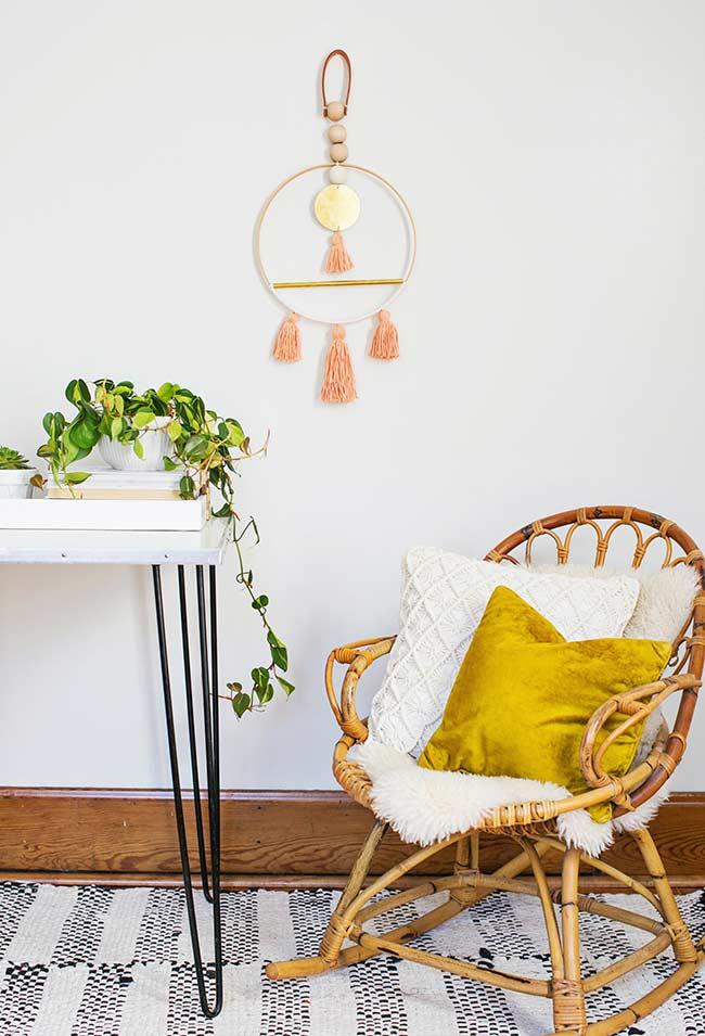 Armchair with rattan swing