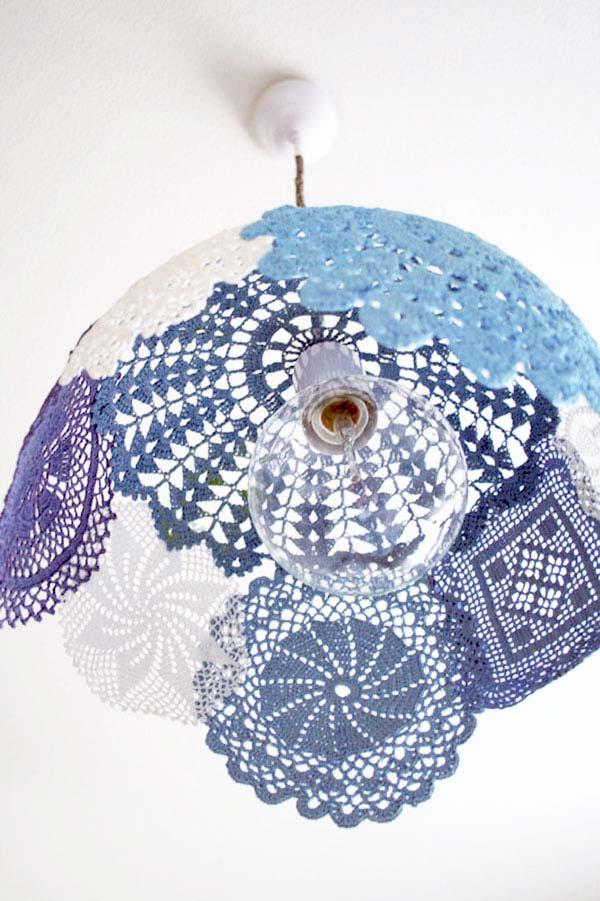 For those who produce in crochet: decorate with your own work with different patterns and designs.