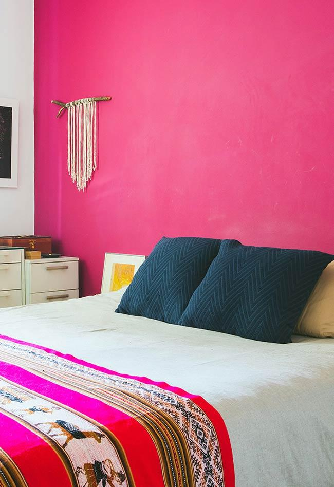 Single wall in pink color