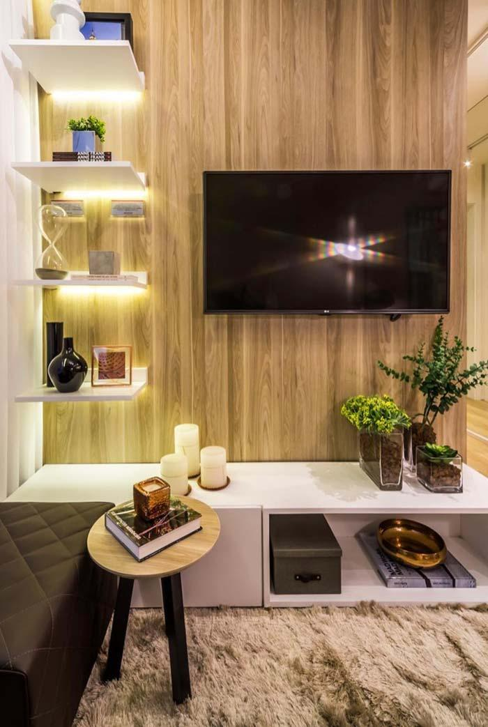 Porcelanato wood on the TV panel