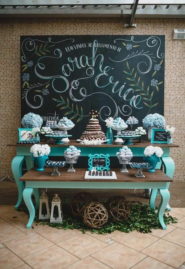 Wedding table decorated with blue Tiffany